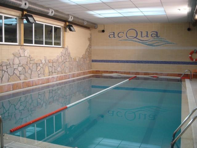 Gimnasio y piscina climatizada acqua en logro o la rioja for Gimnasio y piscina